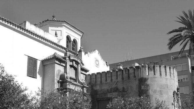 Fachada principal del chalé ubicado en Extramuros que la ciudad de Cádiz regaló al general Varela, en un fotografía tomada en 2006.