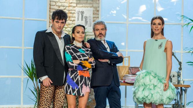Junto a María Escoté, Lorenzo Caprile y Raquel Sánchez Silva, en 'Maestros de la costura', de La 1.