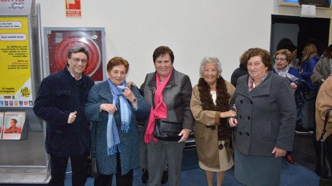 José Dávila, Loli de la Pascua, Esther González, Luisa Gessa y Victoria Eugenia González Cerrato coincidieron en el estreno.