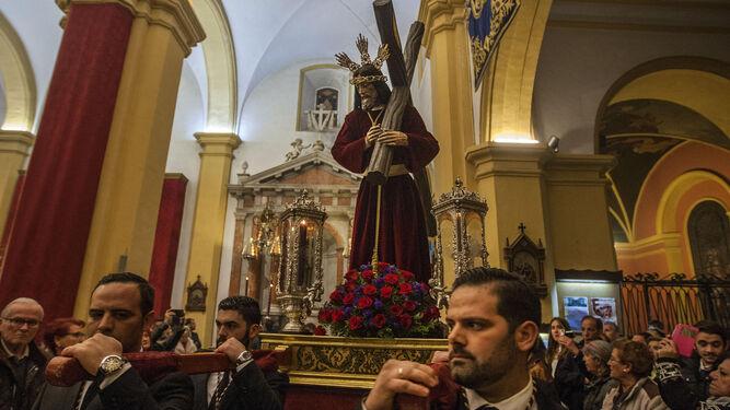 La imagen de Jesús Nazareno, sobre la parihuela.