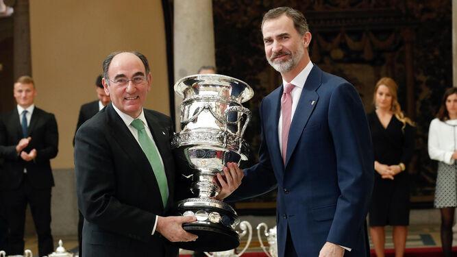 Sevilla, foco del fútbol en el mundoVa por nuestras imparables deportistasUn descanso de lo más merecido