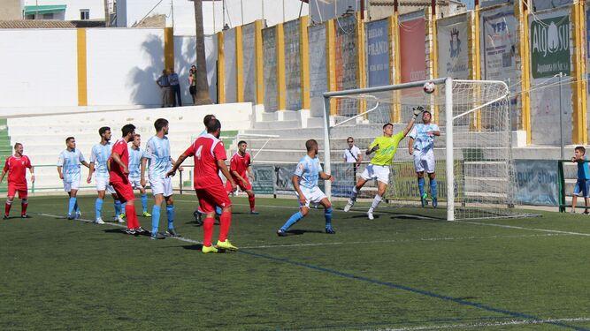 El partido entre la Lebrijana y el Xerez CD de la primera vuelta, uno de los investigados.