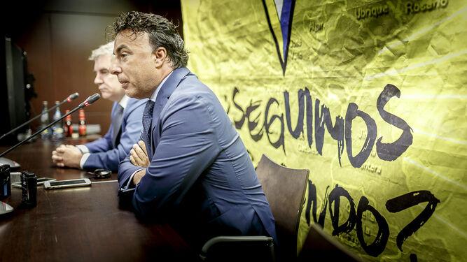 Manuel Vizcaíno (i) y Quique Pina, en una comparecencia conjunta hace un par de años.