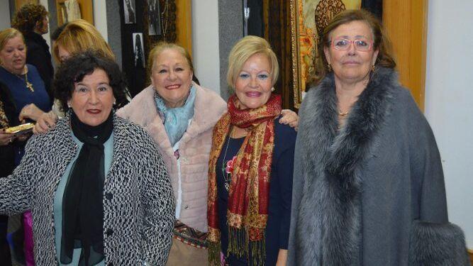 Carmen Campo, Rosario Periñán, Luisa López y Elena Moreno.