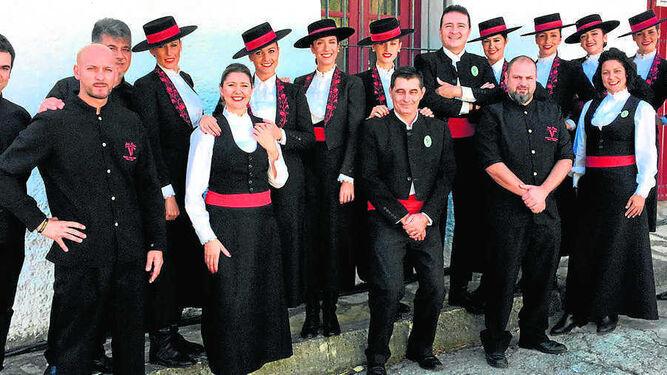 Foto de familia de Rubiales con trabajadores de su empresa Venenciadores S.L.