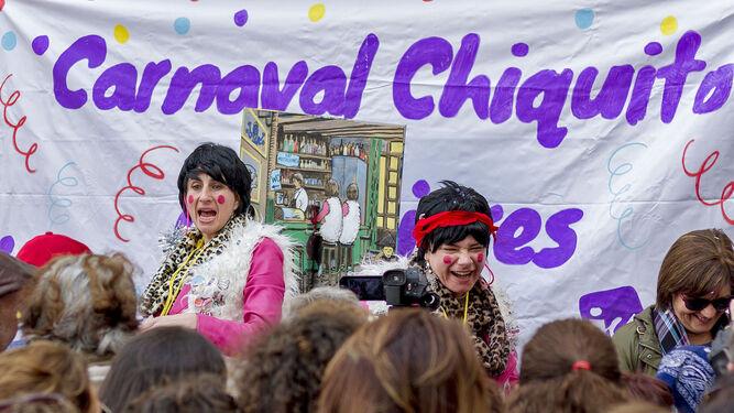 El Carnaval Chiquito de Mujeres, que organiza IU, tomó la calle Libertad ayer.