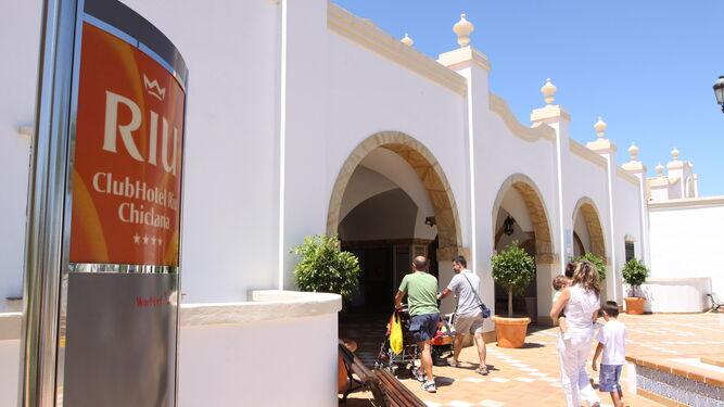 El Hotel RIU confía en finalizar su importante reforma antes de Semana Santa.