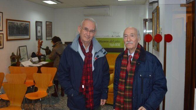 Antonio Melero y Juan Antonio Macías, tras finalizar la conferencia.