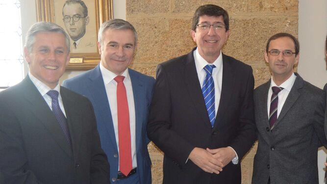 Javier Cano, Fernando García, Juan Marín y el alcalde de Sanlúcar de Barrameda, Víctor Mora.
