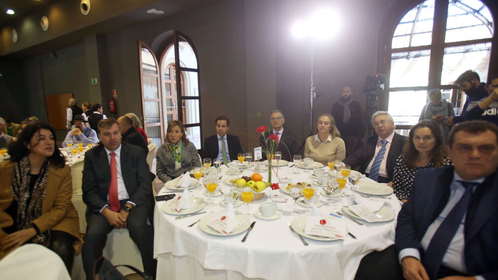 Loubna Jardi, Rafael Fernández, Tania Barcelona, Roberto González, Juan Manuel Gómez, Concha Ribelles, Miguel González, María del Mar Martínez y Bernardino Copano.