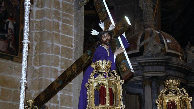 Nuestro Padre Jesús Nazareno, preparado para su salida procesional por las calles de El Puerto, que no pudo hacer.
