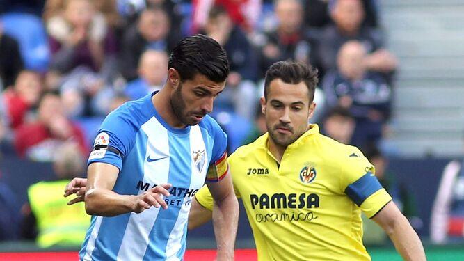 Mario presiona a Miguel Torres.