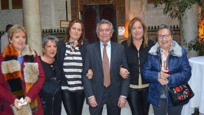 Tere Alcedo, Mercedes Añino, María José Martínez, Antonio Berdonces, Inma Martínez y Paqui Cea.