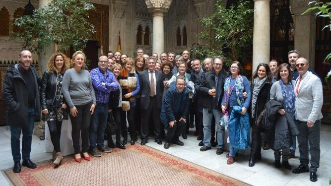 El anfitrión Antonio Berdonces Gavilán, durante el almuerzo ofrecido por sus compañeros con motivo de su jubilación, tras desempeñar su actividad profesional durante treinta y siete años, en la Diputación Provincial.