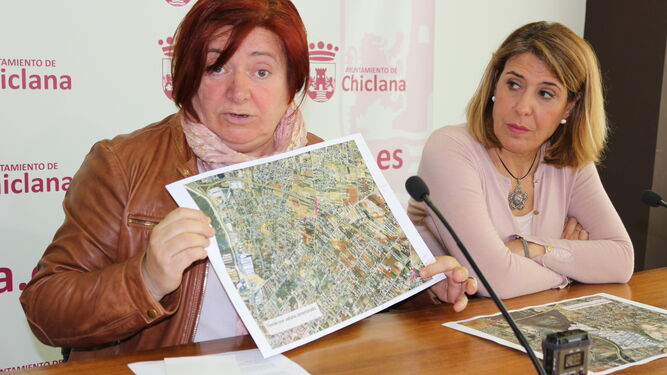 Verdier y Martínez, ayer durante la rueda de prensa en la que ofrecieron los detalles del problema.