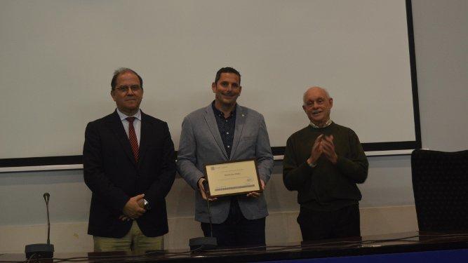 José Jiménez Diufaín, Melchor Mateo y Antonio Gómez, durante el reconocimiento a Diario de Cádiz.