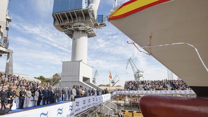 Imagen de archivo de la botadura de un buque para la Armada española en el astillero de Navantia San Fernando.