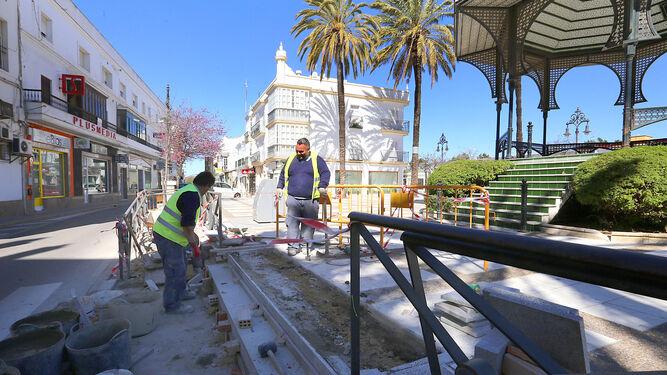 Obras en Chiclana, una de las pocas de cierta magnitud que se vieron el año pasado en la provincia.