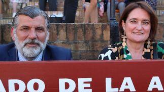 Los veterinarios Mª Victoria García Viña y Santiago Sánchez Apellaniz
