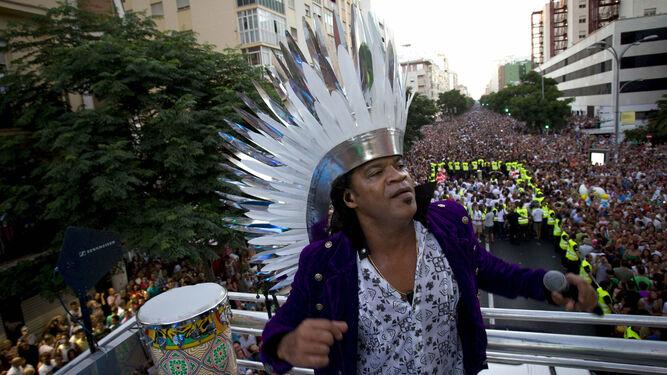 Carlinhos Brown, durante su actuación en Cádiz en 2012 con motivo de la Capitalidad Iberoamericana del Carnaval.