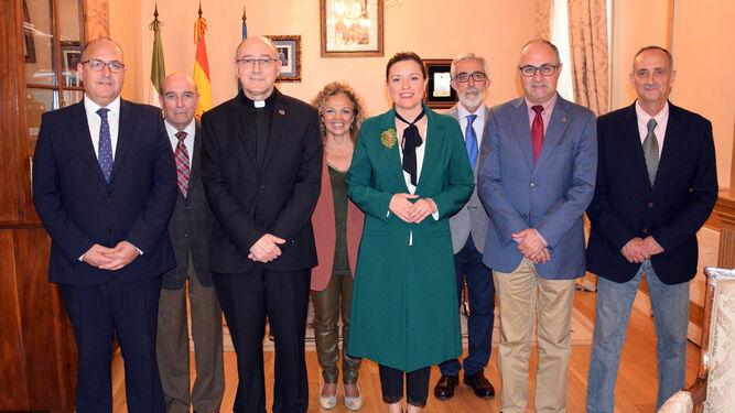 La alcaldesa, con la comisión del Corpus
