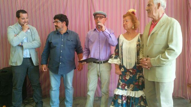 Juan Ramón Arias recibió el homenaje de IU por sus 50 años de militancia.