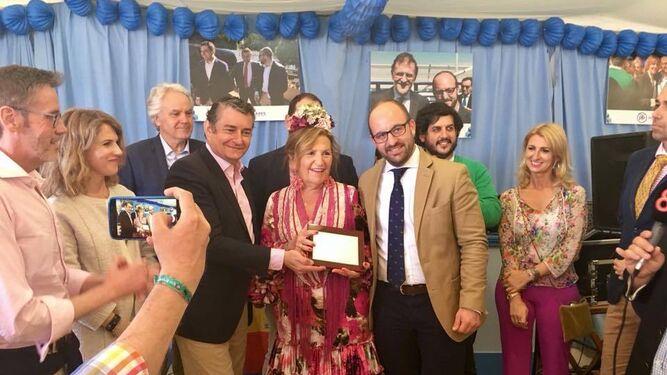 El PP reconoció a María del Carmen Lara y a Eugenio Grosso.