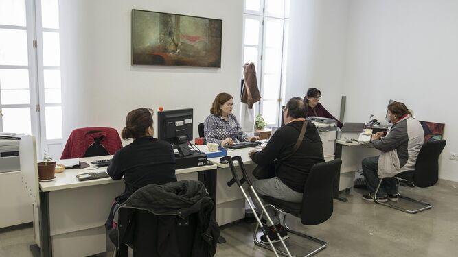 El ayuntamiento convoca oposiciones for Oficina del ciudadano