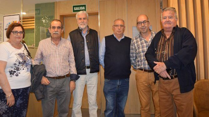 Concha Lavandeira, Francisco Villalba, Luis Franco, Pepe Guillón, Gregorio Vallejo y Francisco García Castañeda, durante la inauguración.