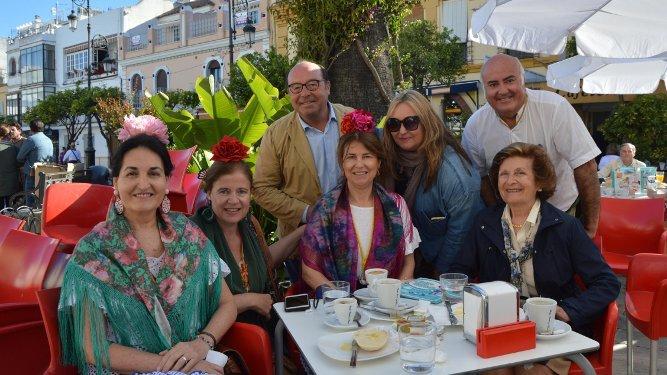 María  Eugenia y Lola Barbadillo, Carlos Carrasco, Elisa Terry, Chica Hidalgo, Jacinto Berdaguer y Sole Vidaurreta.