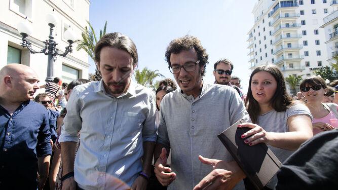 Pablo Iglesias y José María González, durante su encuentro en el verano de 2015 en la capital gaditana.