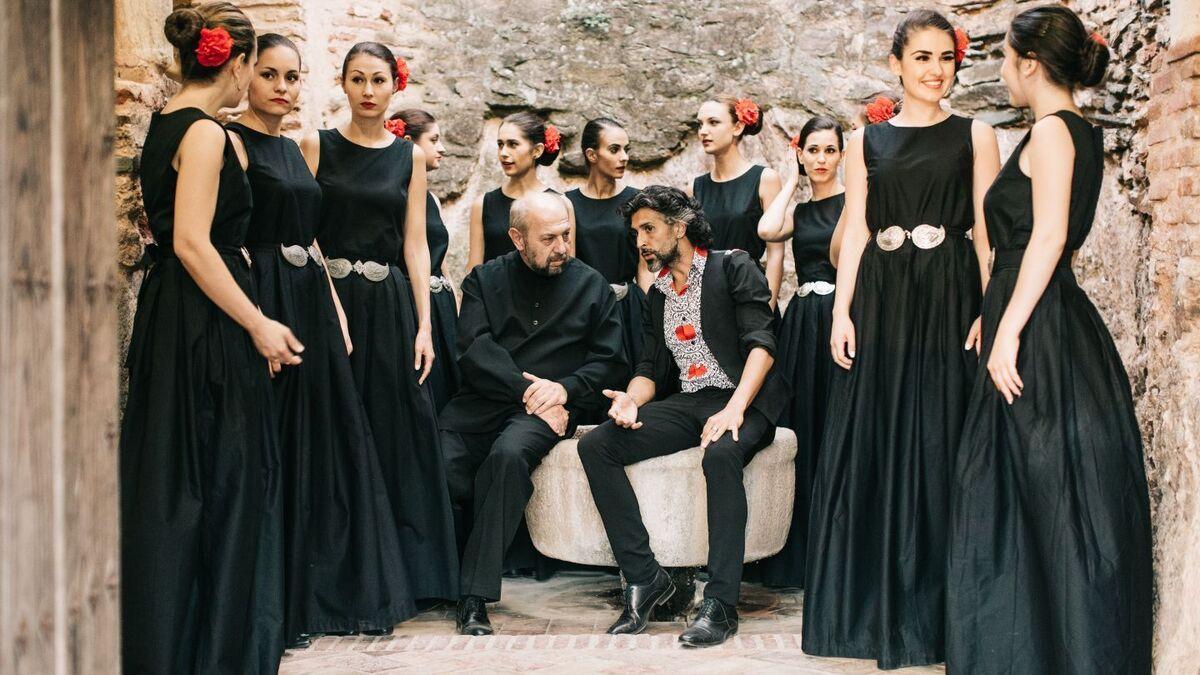 Arcángel Y Las Nuevas Voces Búlgaras En El Falla