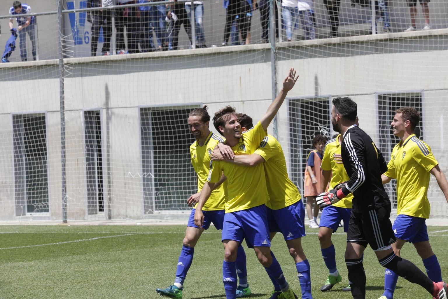 Cádiz CF Cinco canteranos con la primera plantilla