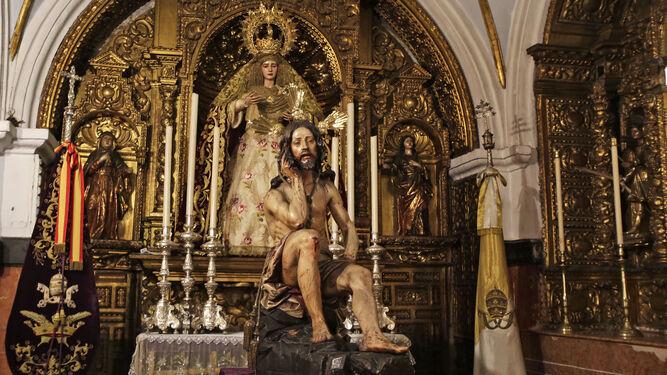 El Cristo de la Humildad y Paciencia y la Virgen de la Amargura, en la capilla de la Ciudad de la iglesia de San Juan de Dios.