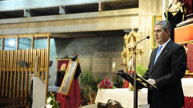 Juan Carlos Muñoz, durante la presentación del Cartel de la Semana Santa de 2011.