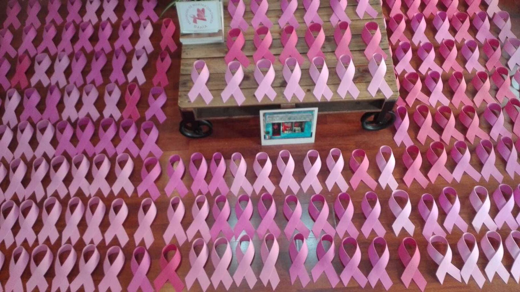 Imagenes Lazos Rosas Cancer.Dia Mundial Del Cancer De Mama El Puerto Se Vestira De Rosa