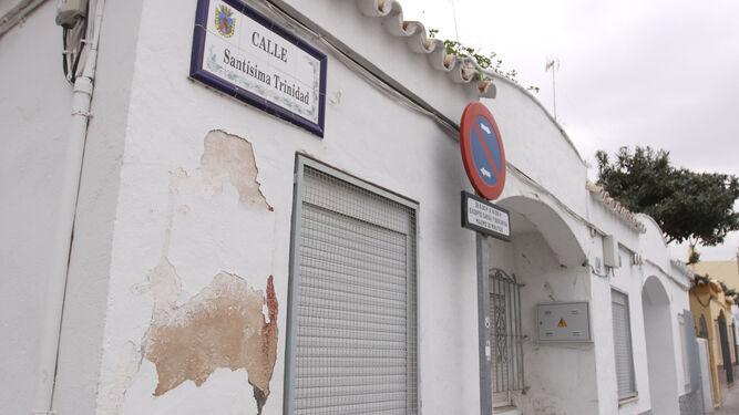 Fachada de la casa de Chiclana que asaltó el detenido que lesionó al guardia.