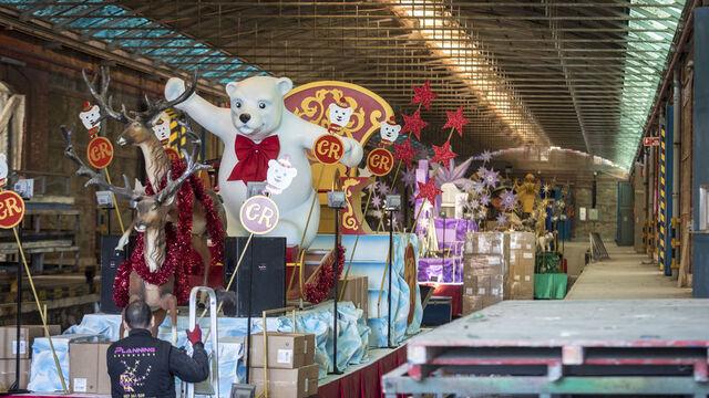 Carrozas De Reyes Magos Fotos.Preparativos De Las Carrozas De La Cabalgata De Reyes Magos