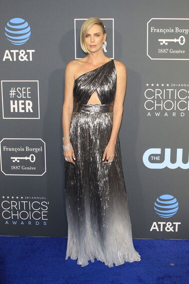<p>Charlize Theron, de Givenchy.</p><br>