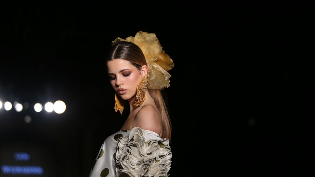 Laura de los Santos, fotos del desfile el We Love Flamenco 2019