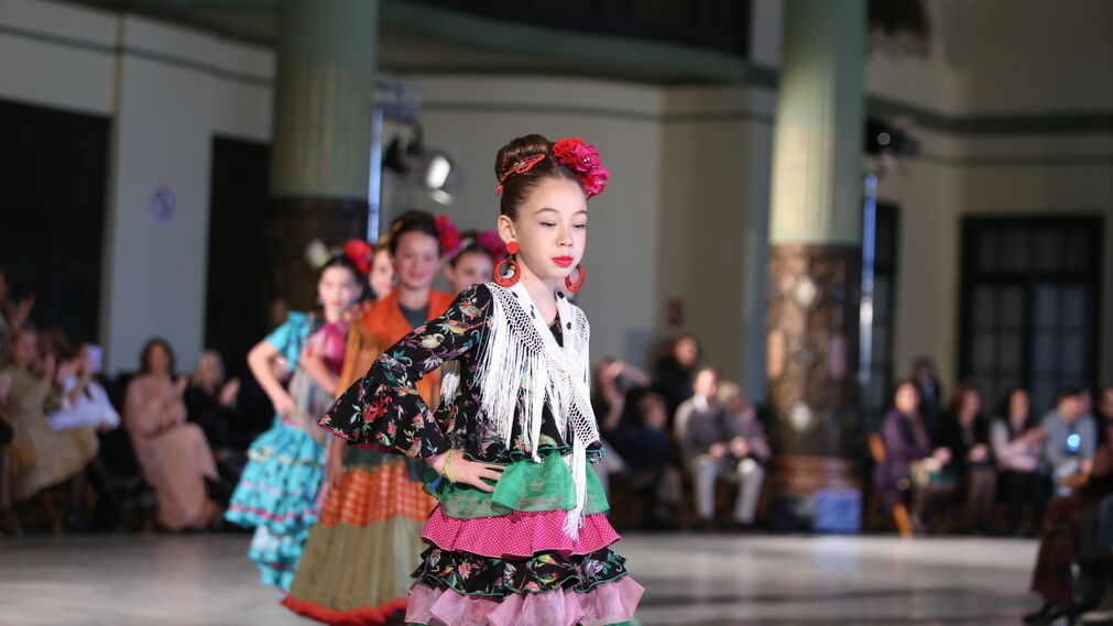 Ángela y Adela, fotos del desfile de moda infantil en Viva by We Love Flamenco 2019
