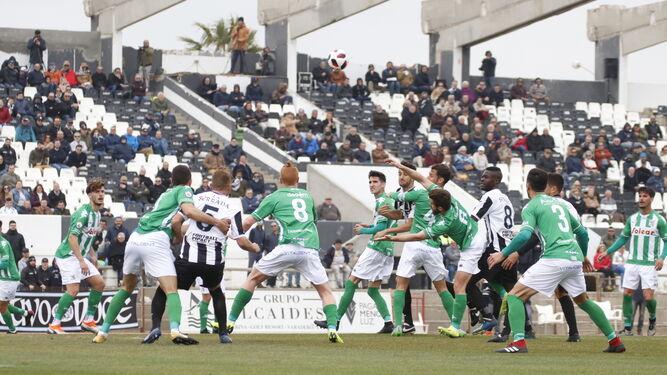 Fútbol | Segunda B Los 20 derbis gaditanos en el Grupo IV de Segunda B
