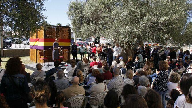 Numeroso público asistió al acto de inauguración del memorial a los presos políticos en el antiguo Penal.