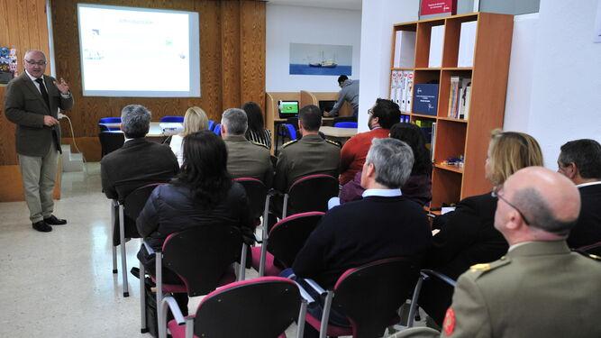 El neuropsicólogo Roberto Suárez durante la presentación del proyecto.
