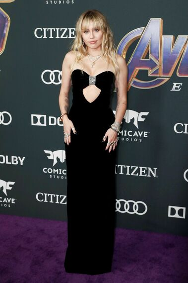 <p>Miley Cyrus, de Saint Laurent.</p>