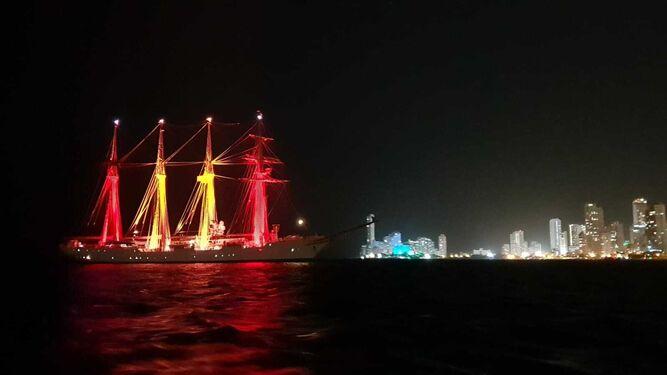 El buque fondeado en Cartagena de Indias.