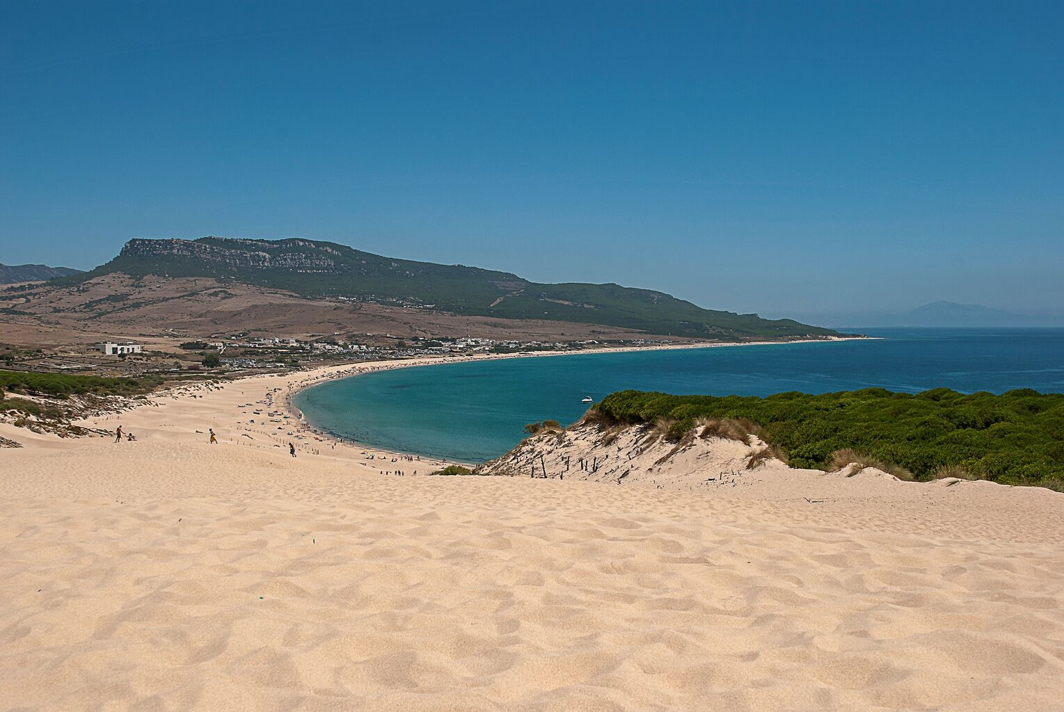 Resultado de imagen de playa bolonia kitesurf
