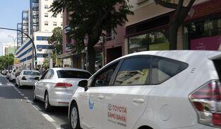 Taxis en una de las paradas de la Avenida.