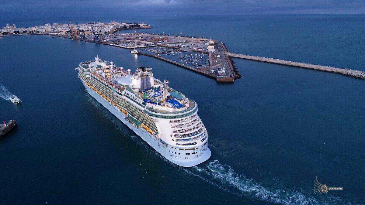 Navantia finaliza la reforma del 'Freedom of the Seas' en Cádiz