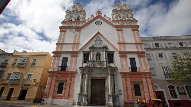 Fachada de la iglesia del Carmen en la Alameda.